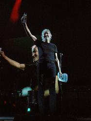 Roger Waters - Nassau Coliseum, 15th September 2017 (photo Jeff Nilsson)
