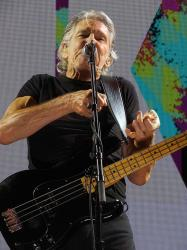Roger Waters - Nassau Coliseum, 16th September 2017 (photo Jeff Nilsson)