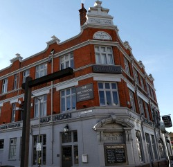 The Half Moon, Putney