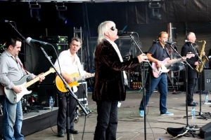 Lee Harris and Guy Pratt with The Blockheads - Cropredy Festival