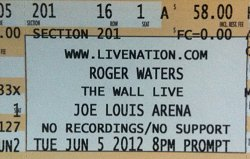 Roger Waters - The Wall Live in Detroit 2012