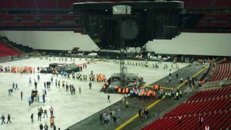 Post-concert, Wembley 2013